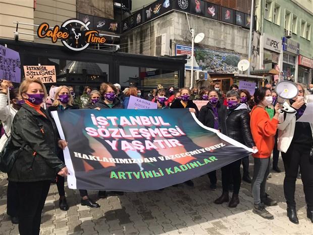 Amasya ve Artvin'de Kadınlar Sokakta: Haklarımızdan Vazgeçmeyeceğiz